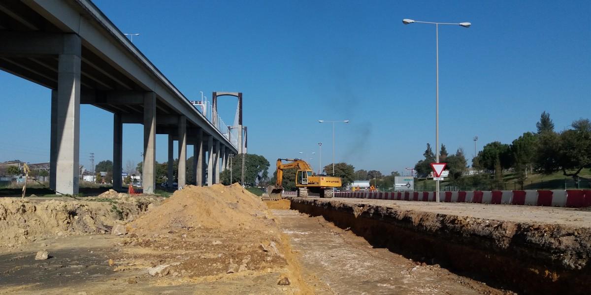 Entronque viales de entrada bajo Centenario